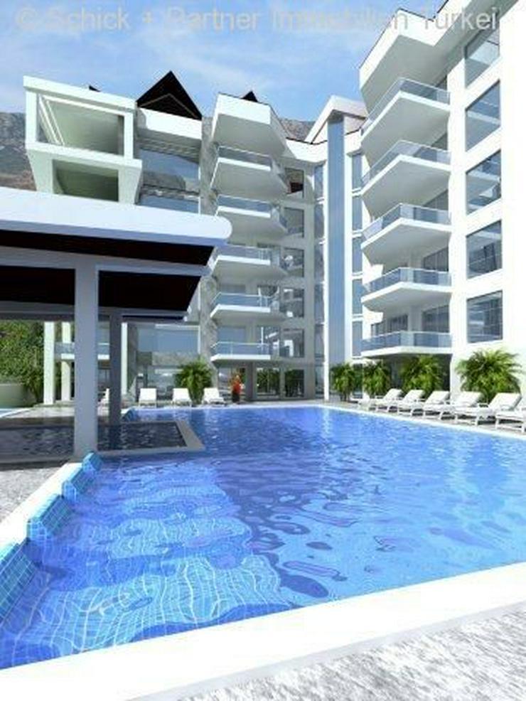 Bild 2: Maisonette-Wohnung im extravaganten Design