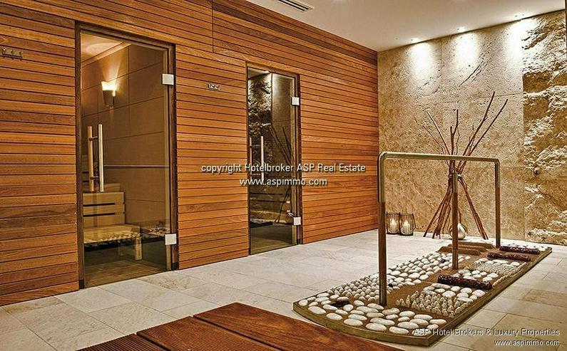 Bild 5: Neues 4-Sterne Luxus Stadthotel zusammen mit einem Schloss an der Donau in der Region Rege...