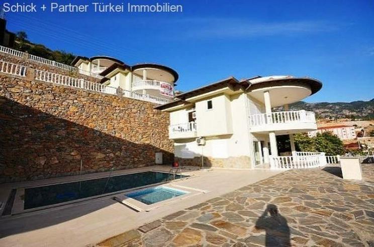 Bild 2: Vollmöblierte Luxusvilla mit Traumpanorama, Pool und Garage