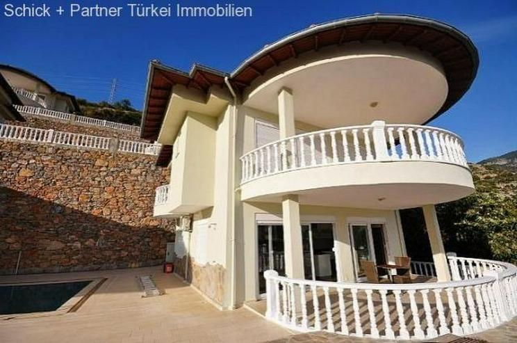 Vollmöblierte Luxusvilla mit Traumpanorama, Pool und Garage - Haus kaufen - Bild 1