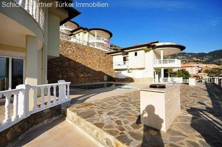 Bild 3: Vollmöblierte Luxusvilla mit Traumpanorama, Pool und Garage