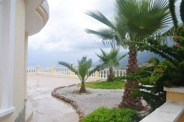 Exklusive Luxus-Villa mit wunderschönem Meer- und Bergblick in der GOLD 5 Residenz