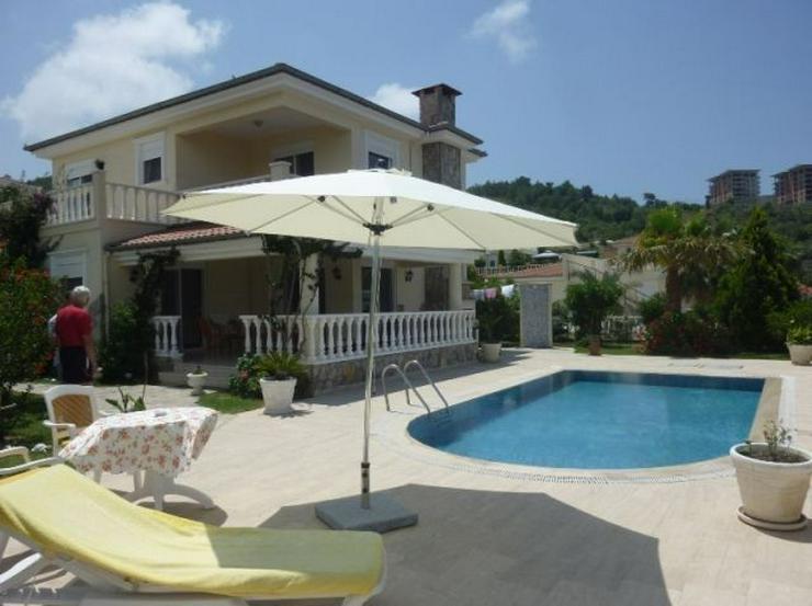 vollm blierte luxus villa mit pool garage und panoramablick in alanya kargicak t rkei auf. Black Bedroom Furniture Sets. Home Design Ideas