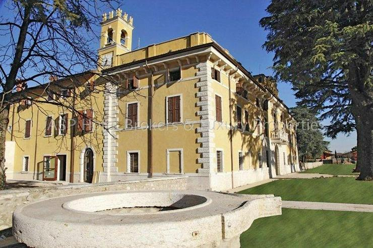 Bild 3: Prachtvoller unvorstellbar aufwändig restaurierter Adelssitz in der Region Gardasee zu ve...