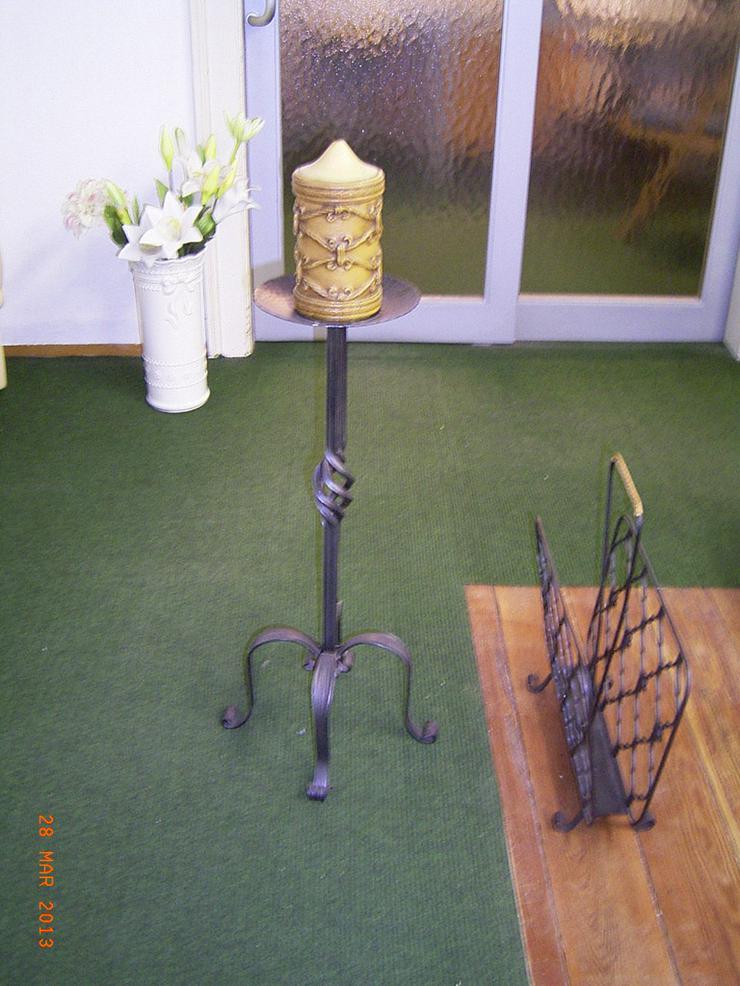 Bild 5: Kerzenständer & Zeitungsständer aus Gusseisen