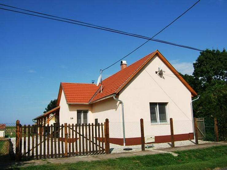 Renoviertes Landhaus mit gr. Grundstück! 4 Zimmern, Gartenbrunnen,TOP Zustand!Grundstück... - Haus kaufen - Bild 1