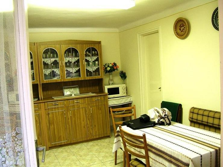 Bild 5: Solides Dorfhaus 18 Km zum Balaton