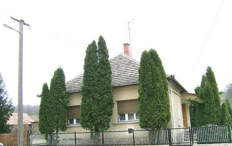 Bild 2: Solides Dorfhaus 18 Km zum Balaton