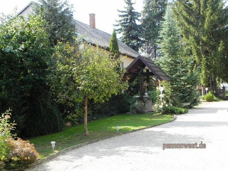 Bild 14: Stilgerecht renoviertes Bauernhaus in Thermennähe