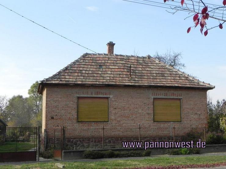 Günstiges renovierungsbedürftiges Landhaus in ruhiger Lage