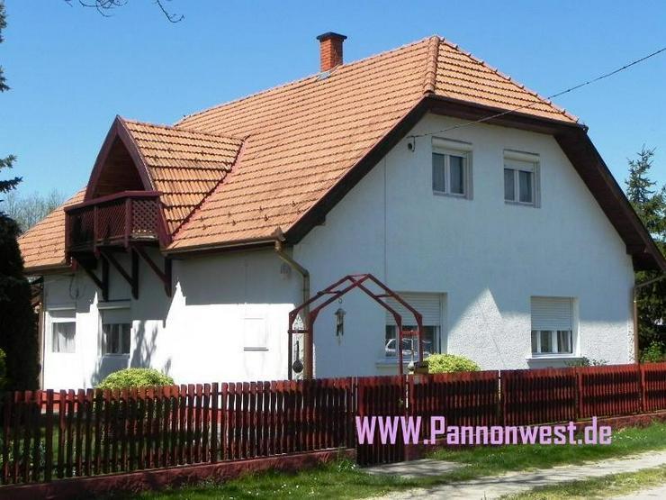Bild 4: Grosszügiges Wohnhaus mit wundervollem Garten und kleinen Gartenbiotop