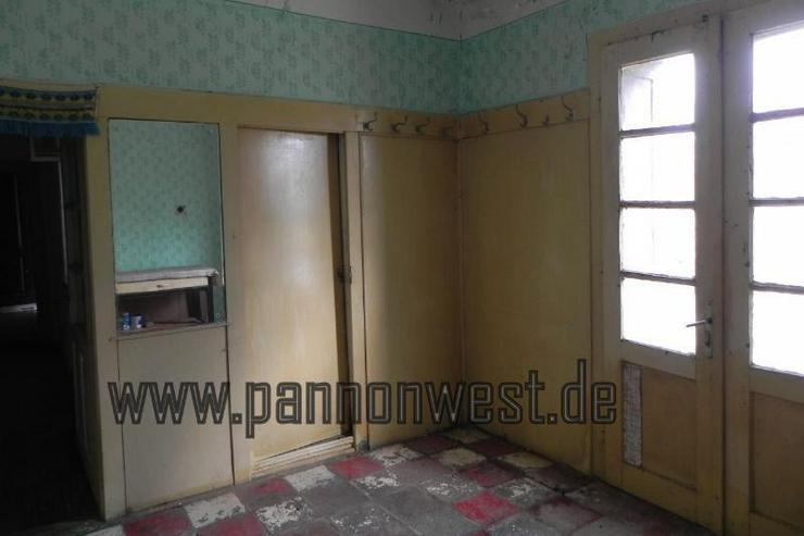 Bild 2: Günstiges renovierungsbedürftiges Bauernhaus mit schönem Grundstück